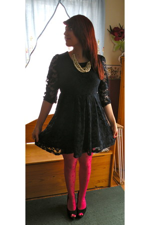 hot pink nylon Charlotte Russe tights - navy lace Forever 21 dress