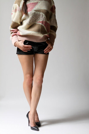 susann d sweater
