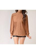 Tan-blouse