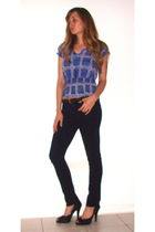black ellemeno jeans - black vegan shoes - blue derek heart top - brown Dockers 