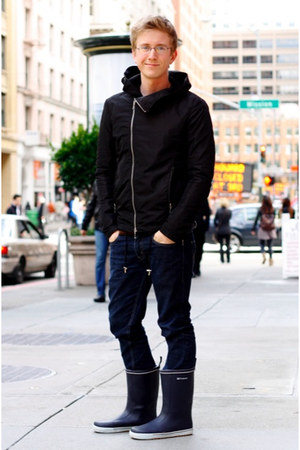 black rain Harlem Rounge jacket - navy rain Tretorn boots