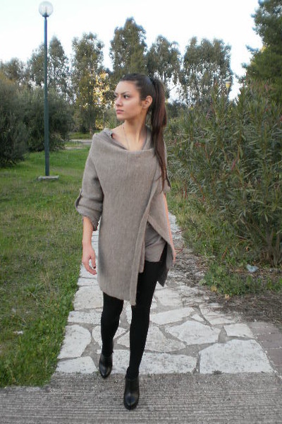 Ankle Boots Black Boots Black Leggings Long Grey Shirts Long