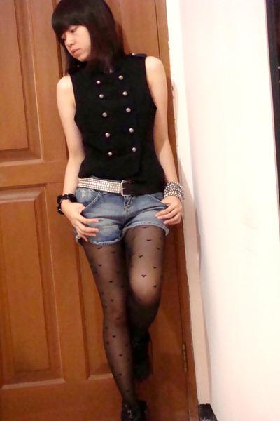 black military Forever 21 vest - blue Zara pants - silver Forever 21 bracelet