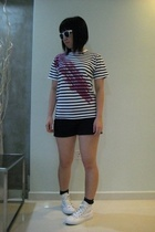 t-shirt - shorts - sunglasses - shoes