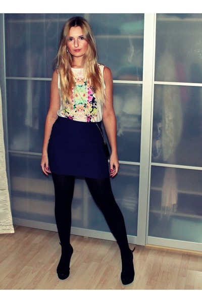 white H&M top - black H&M purse - purple H&M skirt - black Zara heels