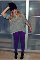 black Zign boots - deep purple just femme jeans - crimson GINA TRICOT hat