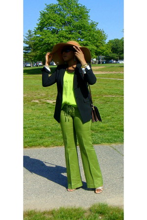 burnt orange floppy hat JCrew hat - black black wool ann taylor blazer - dark br