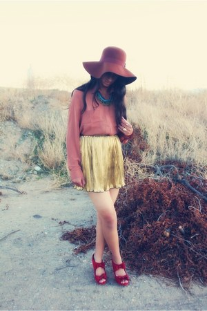 red material girl heels - tawny Forever 21 blouse - gold Forever 21 skirt