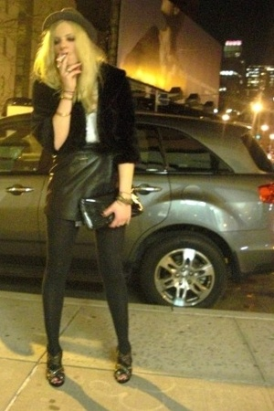 black UO hat - black studded Zara shoes - black fur Forever 21 jacket