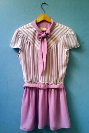 light pink nice thrifted vintage dress