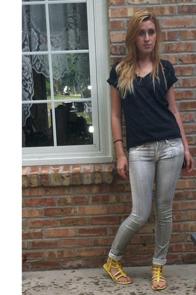 gray DIY shirt - yellow Wet Seal sandals - off white herve lager pants