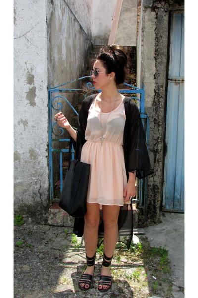 black H&M cape - light pink Bershka dress - black pull&bear sandals