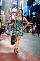 black shoes - green Forever21 dress