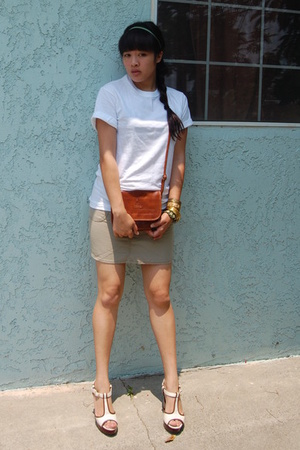 Hanes shirt - purse - shoes