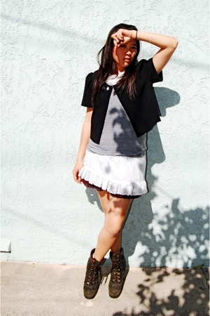 apostrophe top - American Apparel shirt - Hanes - Nine West boots
