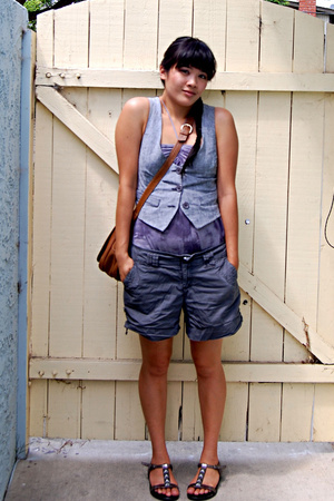 vest - shirt - bitten shorts - purse