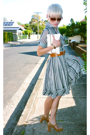 striped frilled vintage dress - patent leather Wittner shoes