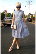 navy vintage dress - white leather shoes vintage shoes