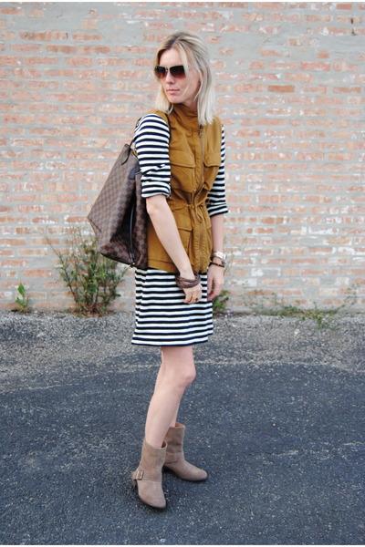 burnt orange JCrew jacket - light brown Zara boots - white JCrew dress