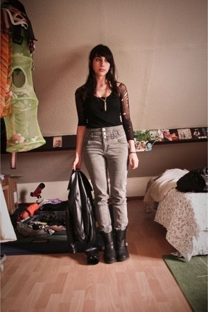 H&amp;M top - H&amp;M jeans - Frye boots - H&amp;M jacket