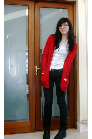 red American Apparel cardigan - black Topshop jeans - black vintage boots - whit