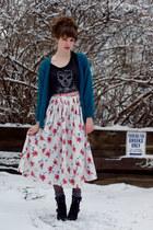 floral vintage skirt - skull Guess shirt