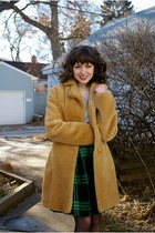 green plaid unknown skirt - camel faux fur unknown jacket
