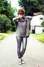 Heather-gray-white-crow-sweater-silver-holographic-thrifted-modern-leggings