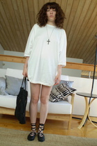 vintage deadstock t-shirt - Tsumori Chisato purse - freelance shoes - Holt Renfr