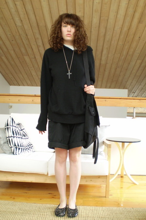 cashmere101 sweater - vintage necklace - handme down from dad shorts - undercove