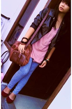 black jacket - pink top - blue leggings