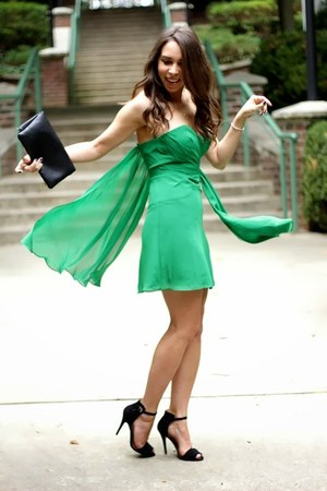 green Faviana dress