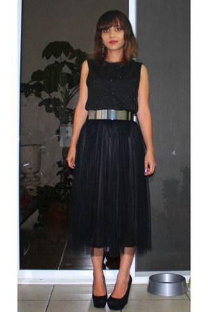 H&M belt - thrifted skirt - H&M top - Aldo wedges - simply vera earrings