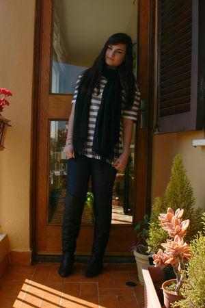 white Zara t-shirt - black scarf - blue BLANCO jeans - black Zara boots