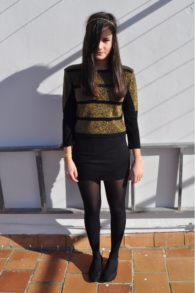 Gold H&M Accessories, Gold Topshop Shirts, Black H&M ...