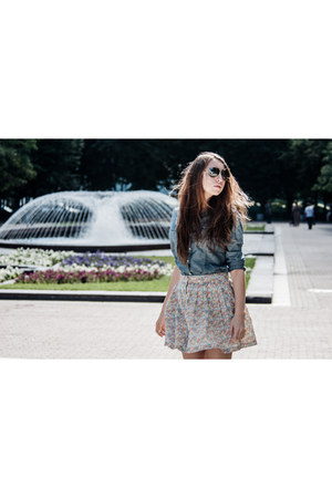 free people skirt - sky blue Gap shirt - dark brown Ray Ban sunglasses