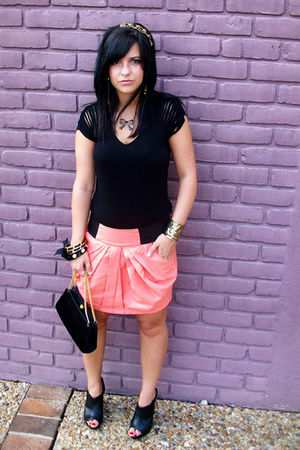 orange Wish Boutique New Orleans LA skirt - black Forever 21 top - gold Charlott