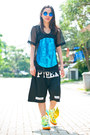 Pyrex-shorts-loony-store-sunglasses-cocraparis-top-adidas-sneakers