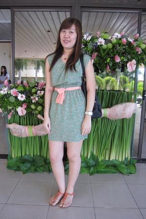 green gmarket dress