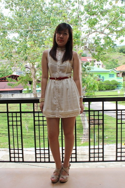 Ivory H M Dress Beige Call It Spring Wedges