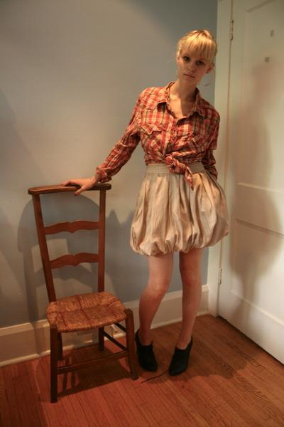 pouffy silk skirt