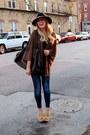 Navy-skinny-jeans-zara-jeans-black-wide-brim-urban-outfitters-hat