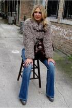 beige furry Plastic Island jacket - heather gray chunky Pour La Victoire boots