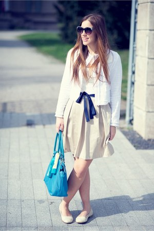 cream verysimple dress - camel verysimple blazer - turquoise blue Brics bag