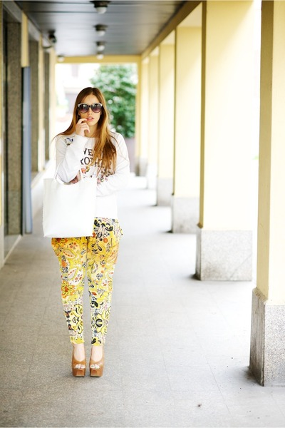 yellow desigual pants - ivory DSquared jumper - camel Jessica Simpson heels