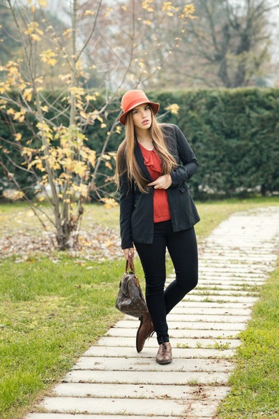 carrot orange gazel hat - burnt orange Fratelli Rossetti shoes