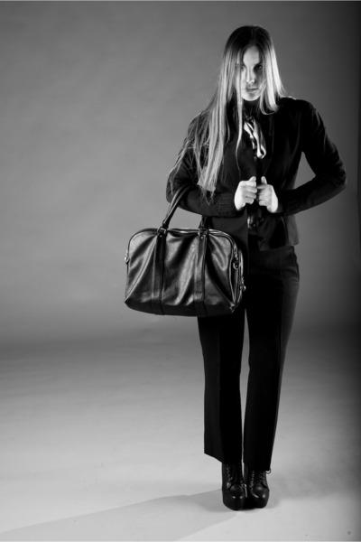 black cinti shoes - black versace pants