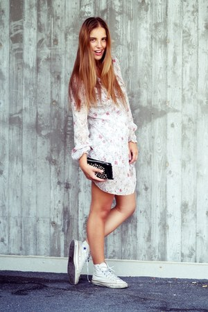 light pink imperial dress - white Converse shoes - black Prima Donna bag