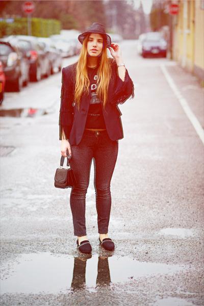 black armani hat - black Moschino jacket - black Zara loafers