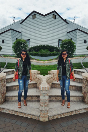 asos bag - American Eagle jeans - camouflage Forever 21 top - Mango heels